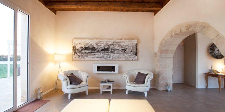 rif.-Lecce-masseria-Murrieri-foto-soggiorno-1
