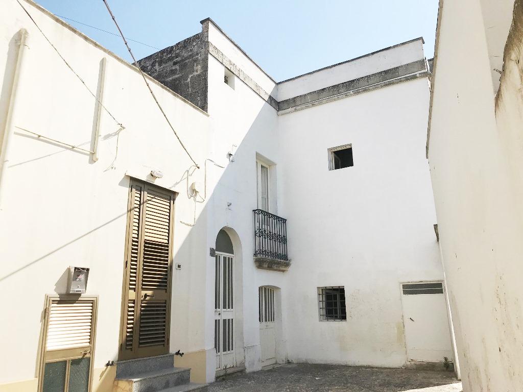 Casa storica a corte